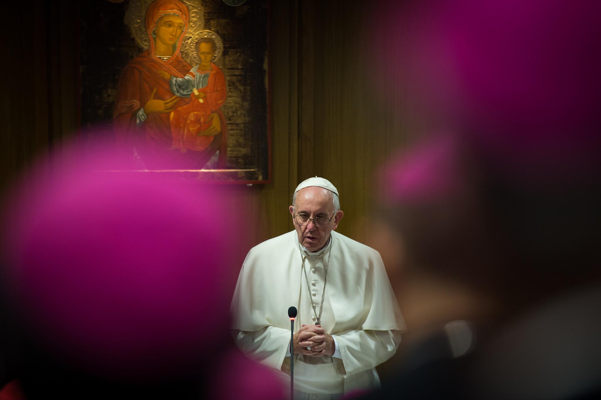 Le pape François en prière