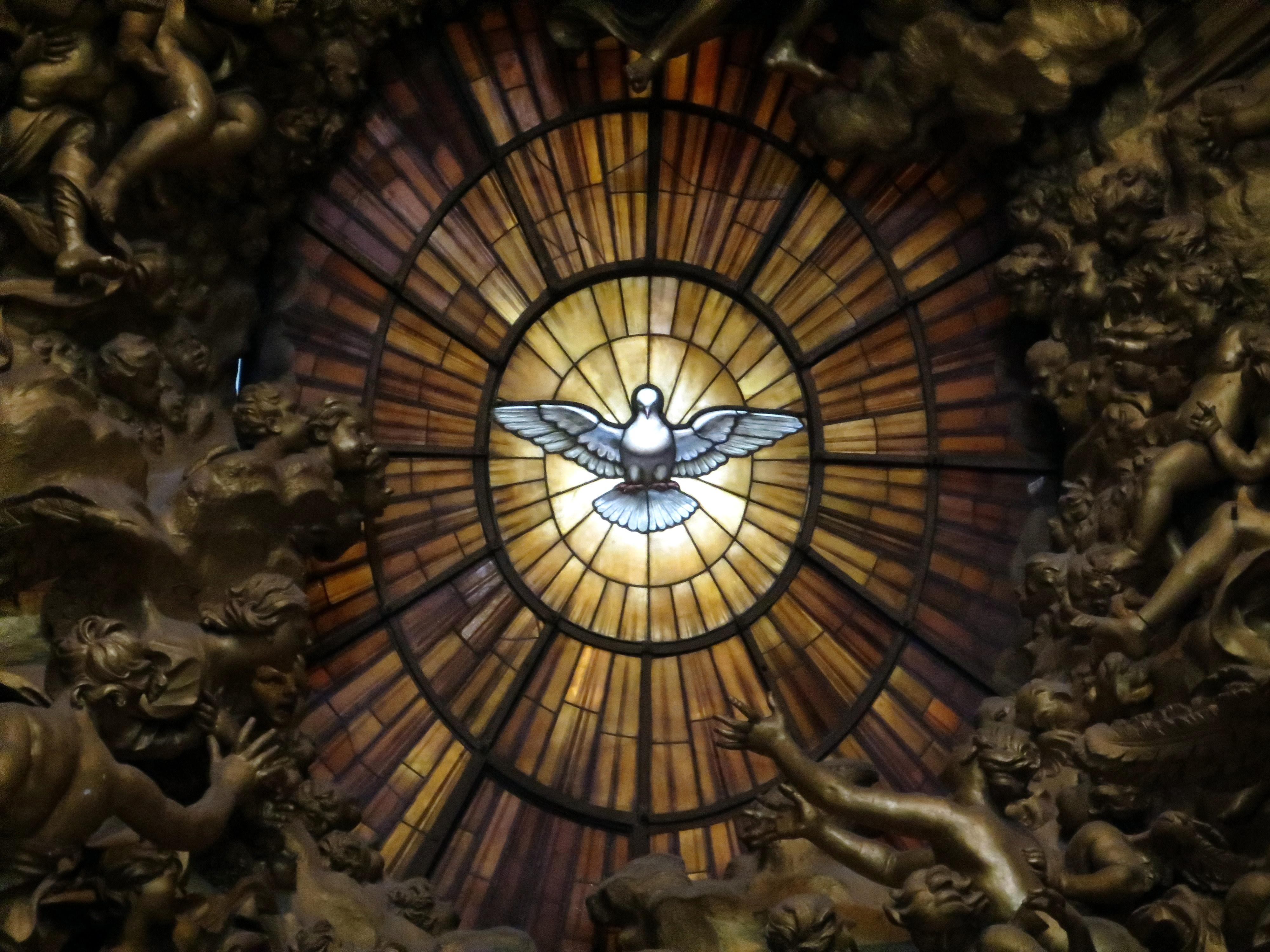 Colombe de l'Esprit Saint, basilique Saint-Pierre