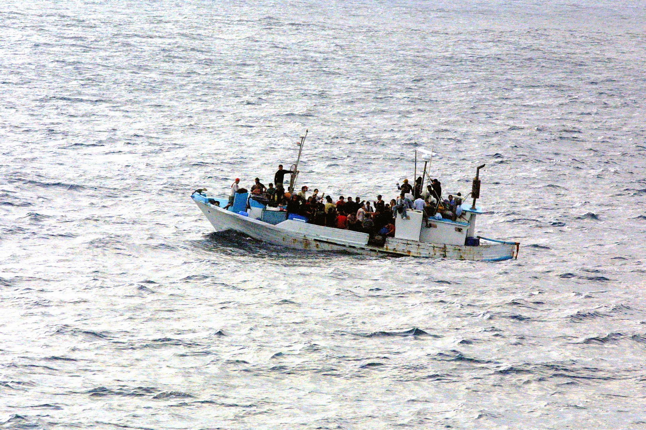 Embarcation de réfugiés en difficulté