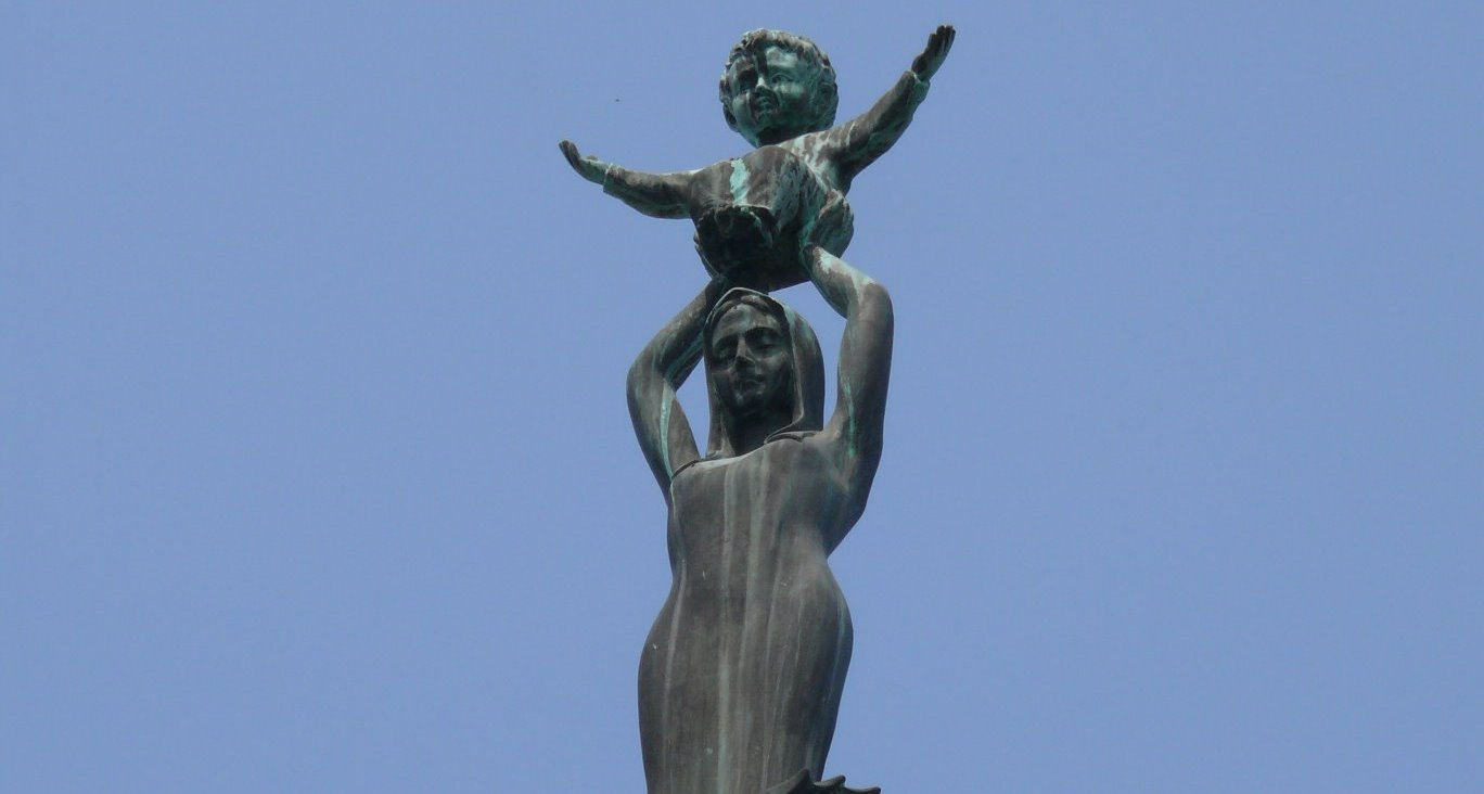 Statue de Notre Dame de Sheshan (Shanghai / Chine) - WIKIMEDIA COMMONS - Peter Potrowl