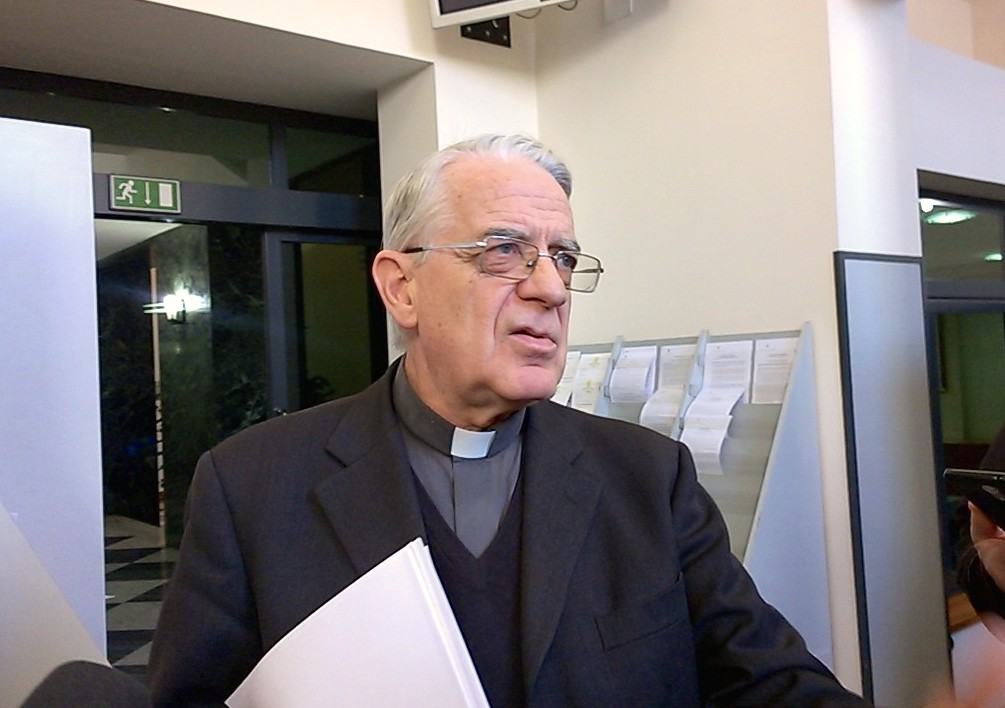 Lombardi announces Award Carlomagno to Pope Francis