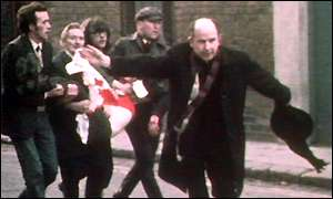 Mgr Edward Daly Bloody Sunday © Wikimedia commons
