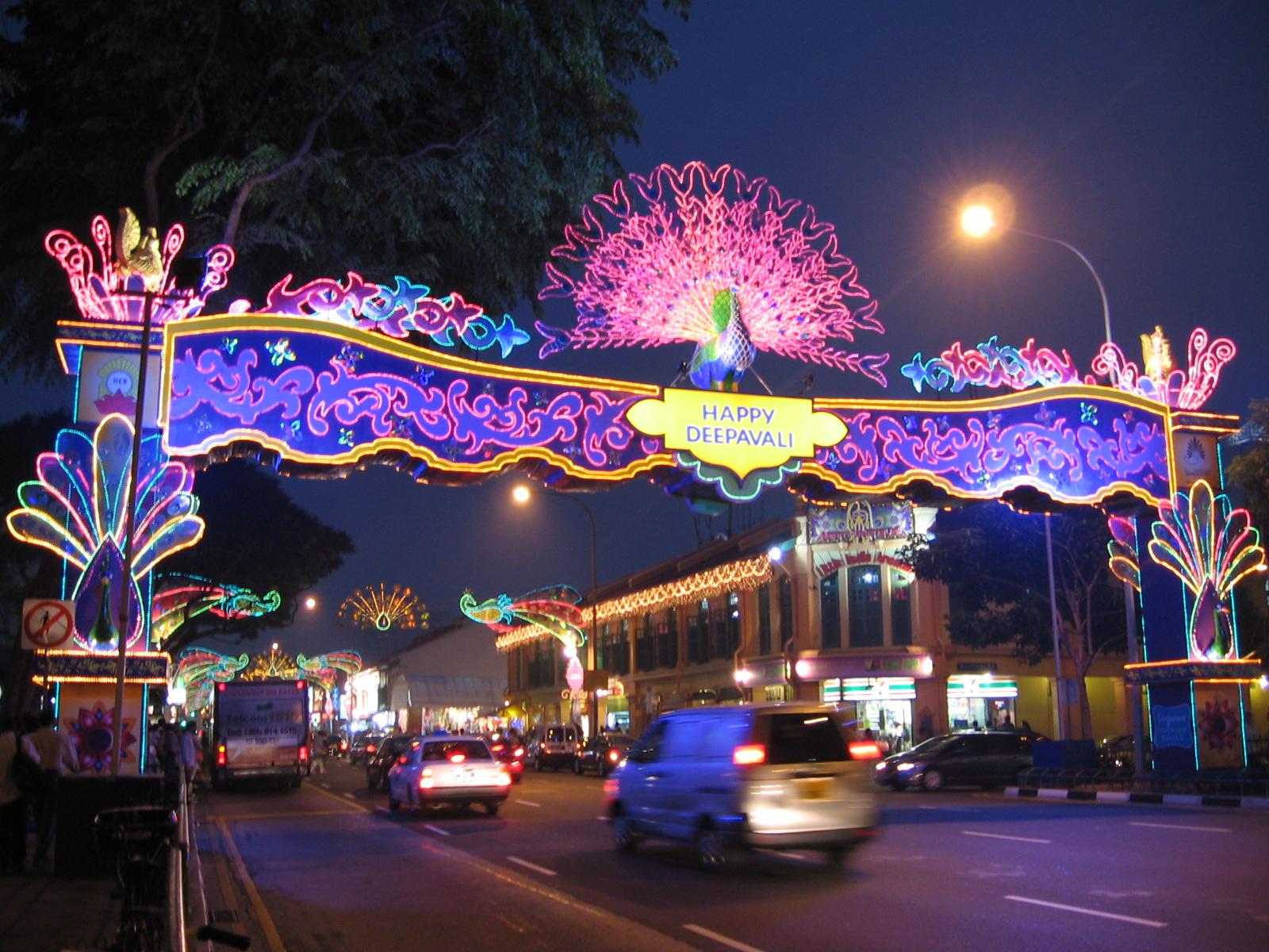 Deepavali, Little India, Singapore @ wikimedia commons
