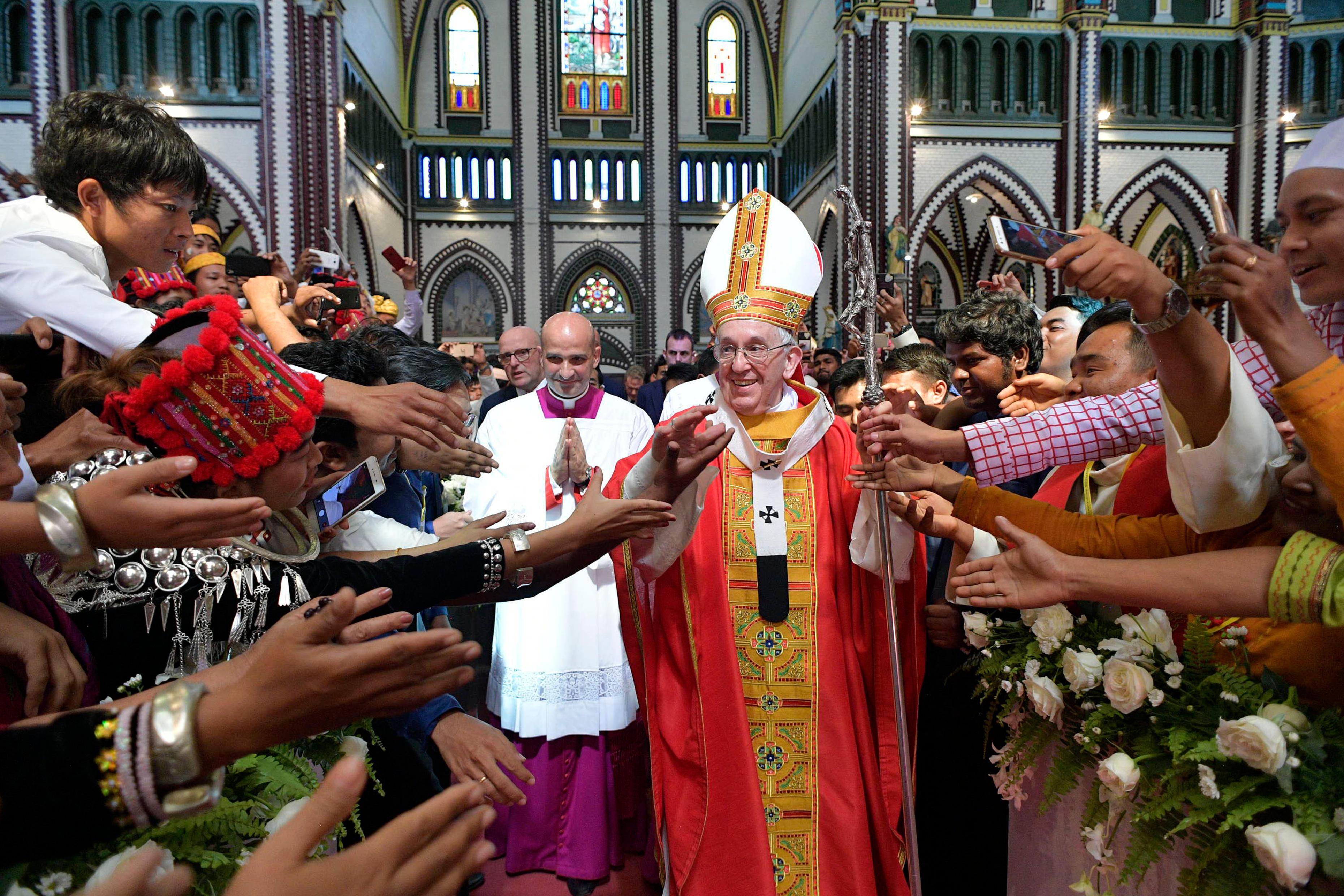 Messe avec les jeunes, cathédrale St Mary, Rangoun, Myanmar © L'Osservatore Romano