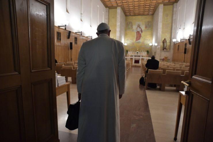 Arrivée du pape François à Ariccia 18/02/2018 © Vatican Media