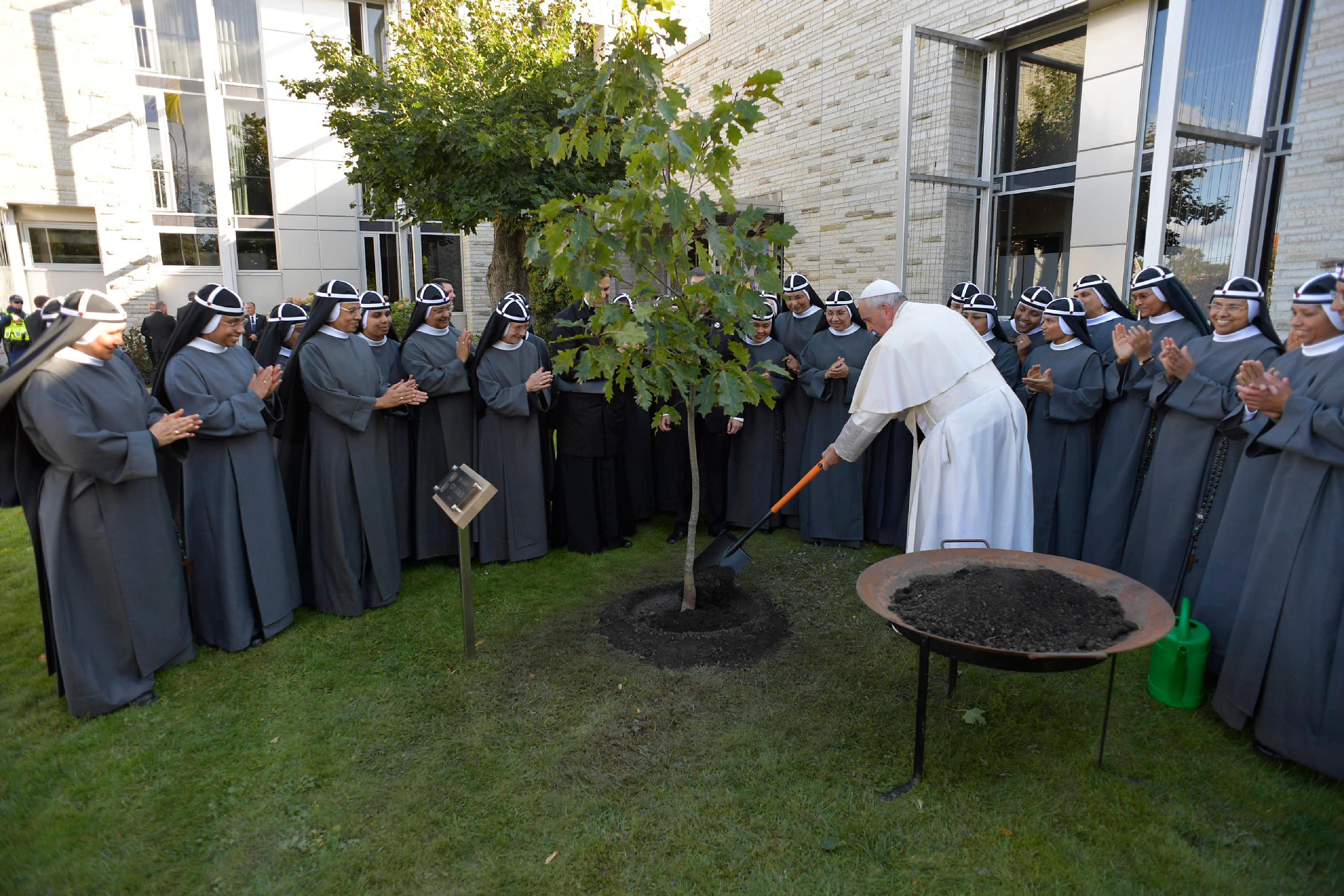 Déjeuner chez les soeurs de Sainte-Brigitte, Tallinn (Estonie) © Vatican News