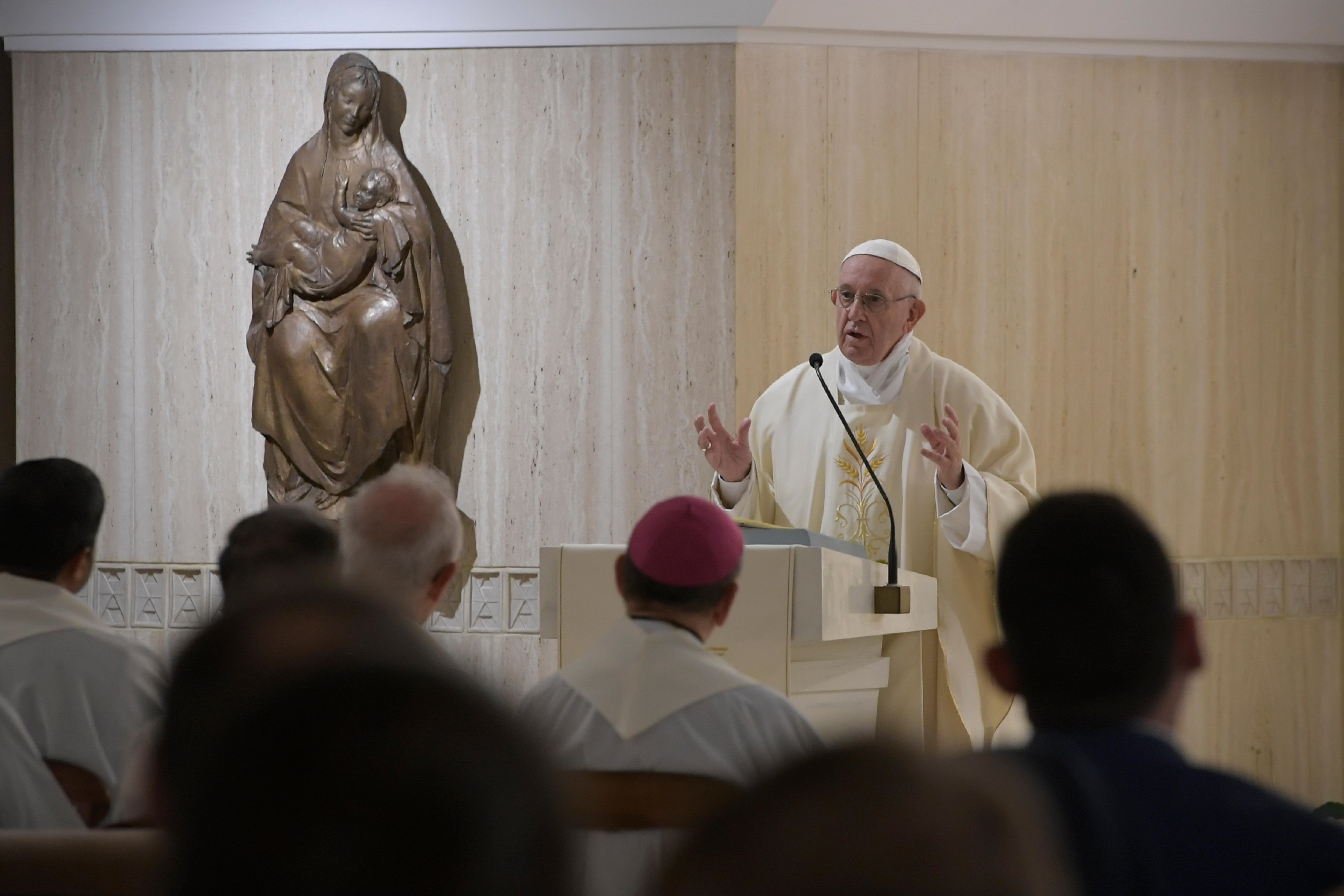 Messe à Sainte-Marthe : les trois dimensions du temps de l'Avent SFO5506