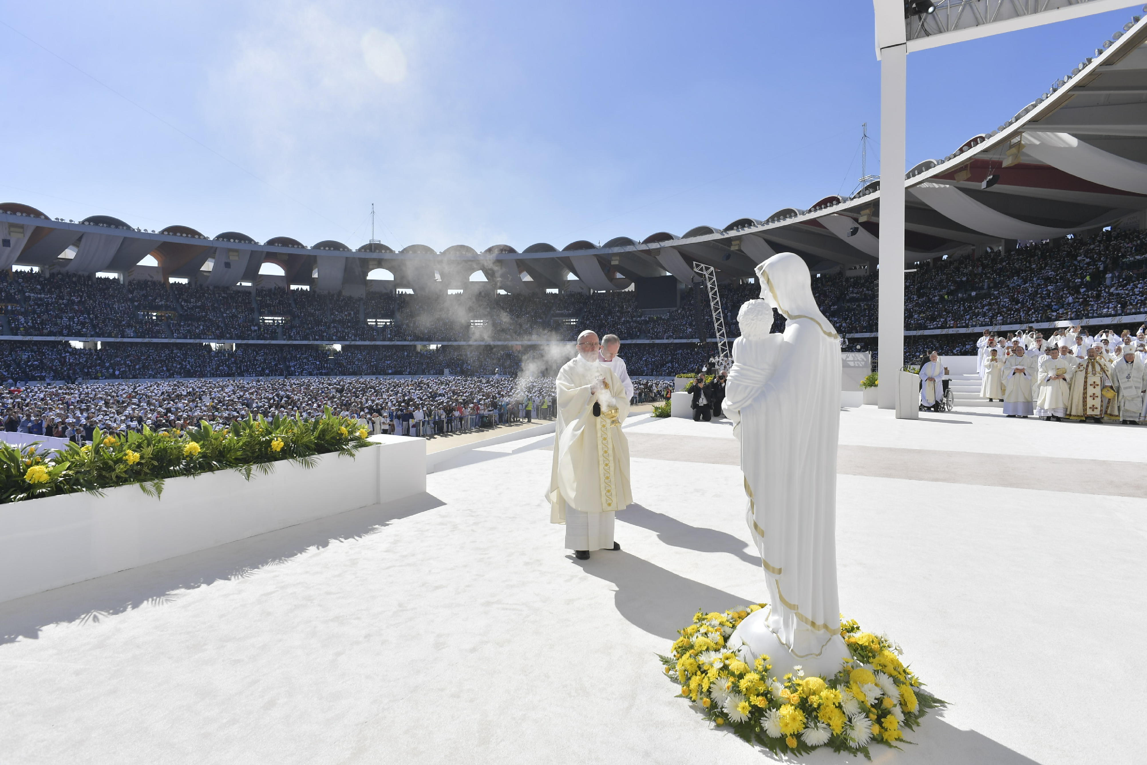 Messe au Zayed Sports City, Abou Dhabi, Emirats arabes unis © Vatican Media