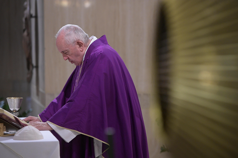 Messe à Ste-Marthe: ne pas mettre Dieu dans un coin Or051219_14