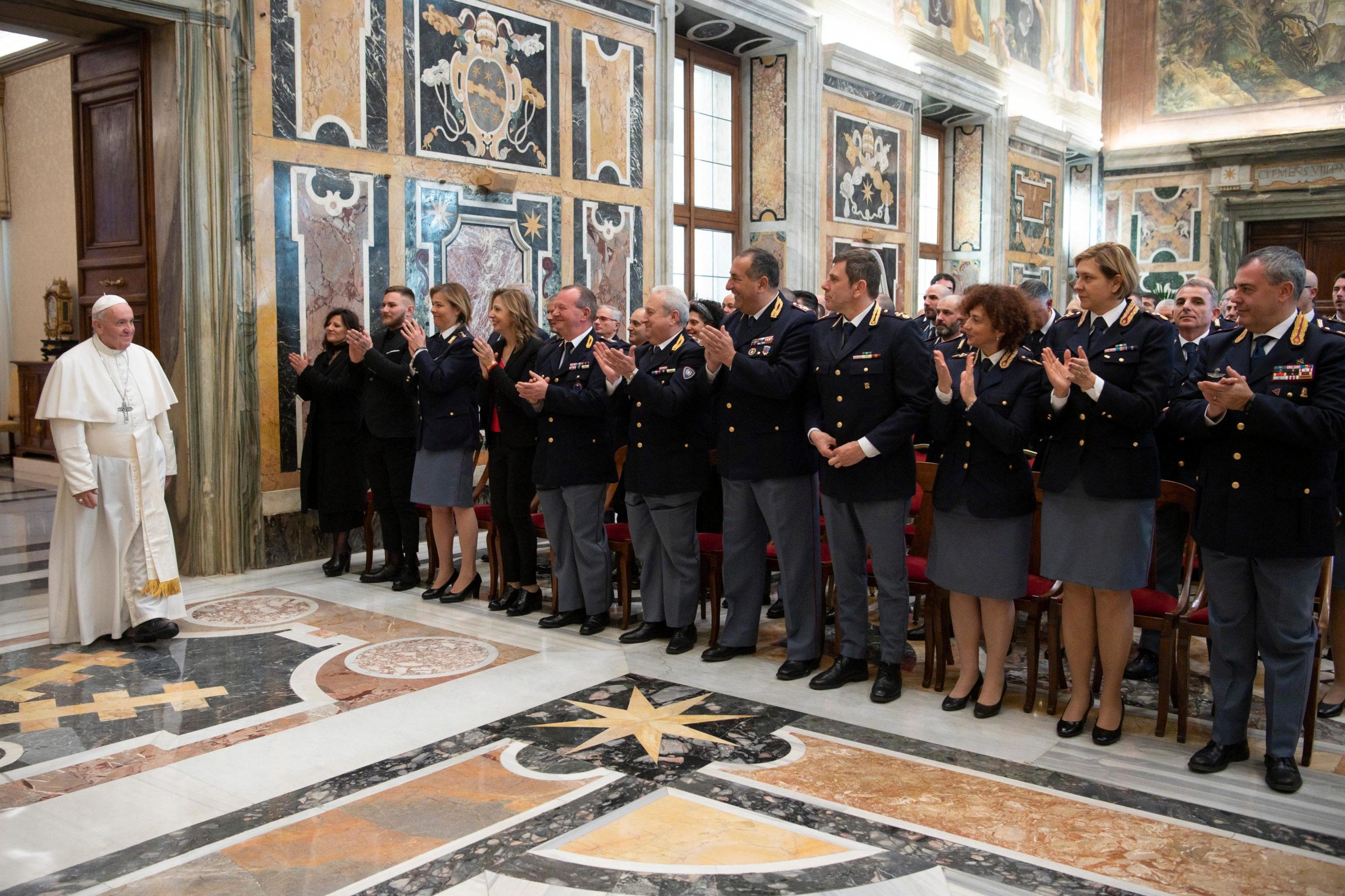 Sécurité : le pape remercie la Police italienne pour son attention et sa discrétion  Or080220120432_0178-scaled