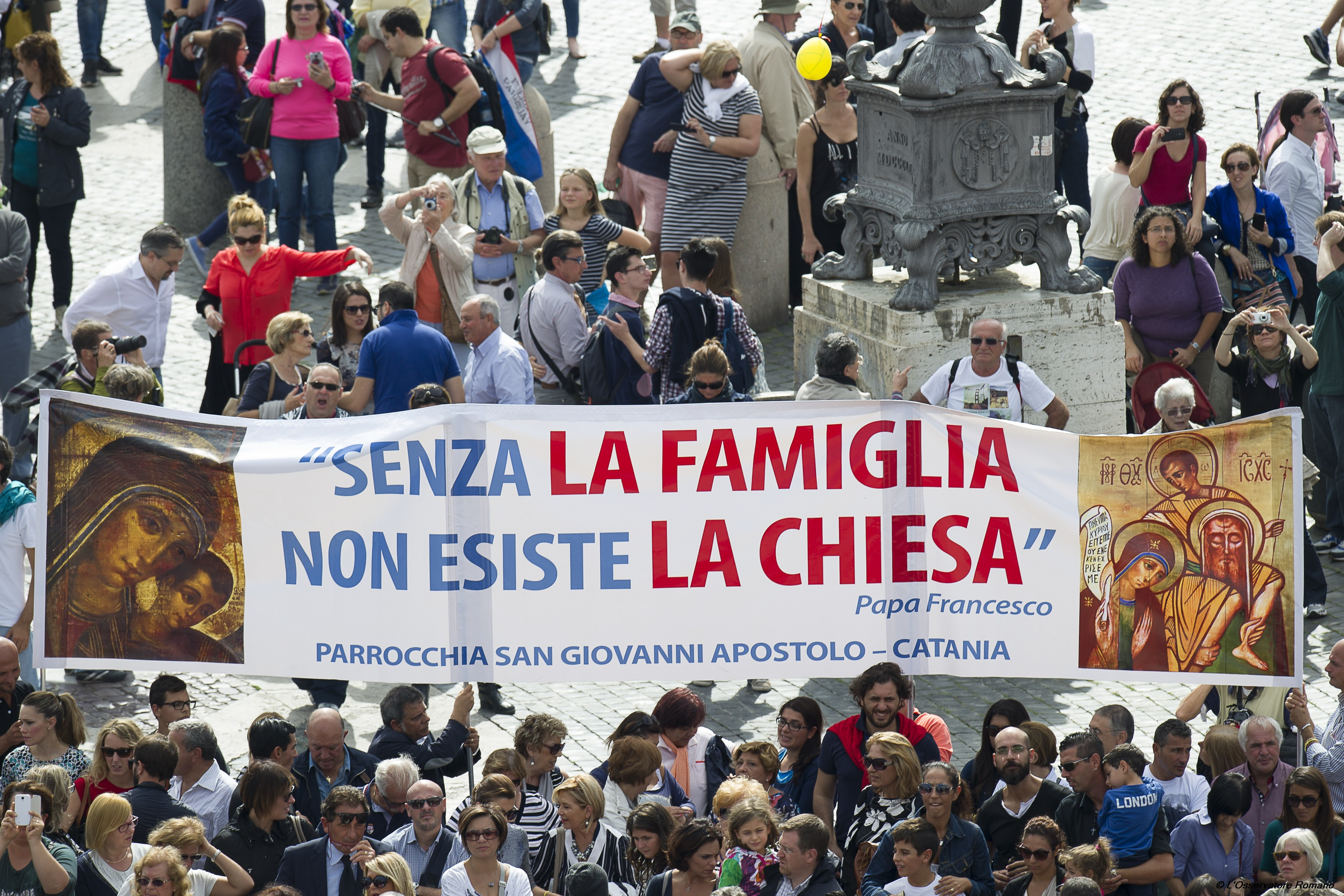 Faithful during the prayer of the Angelus in St. Peter square