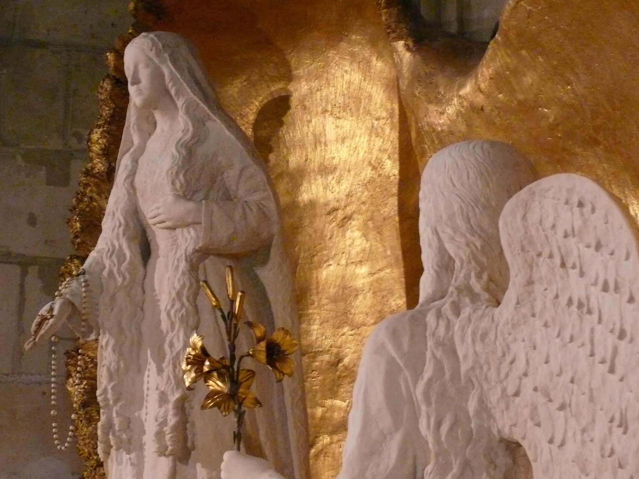 Statues de Marie et de l'archange Gabriel @ L'Ile-Bouchard