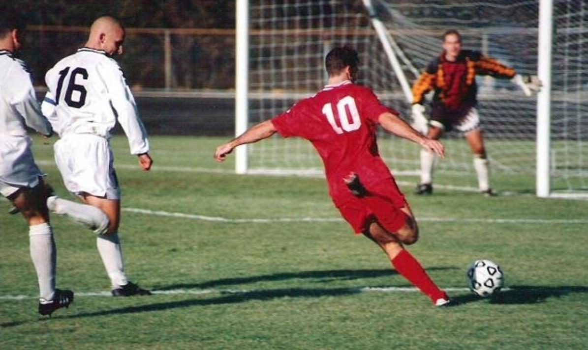 Football © Wikimedia commons / Rick Dikeman