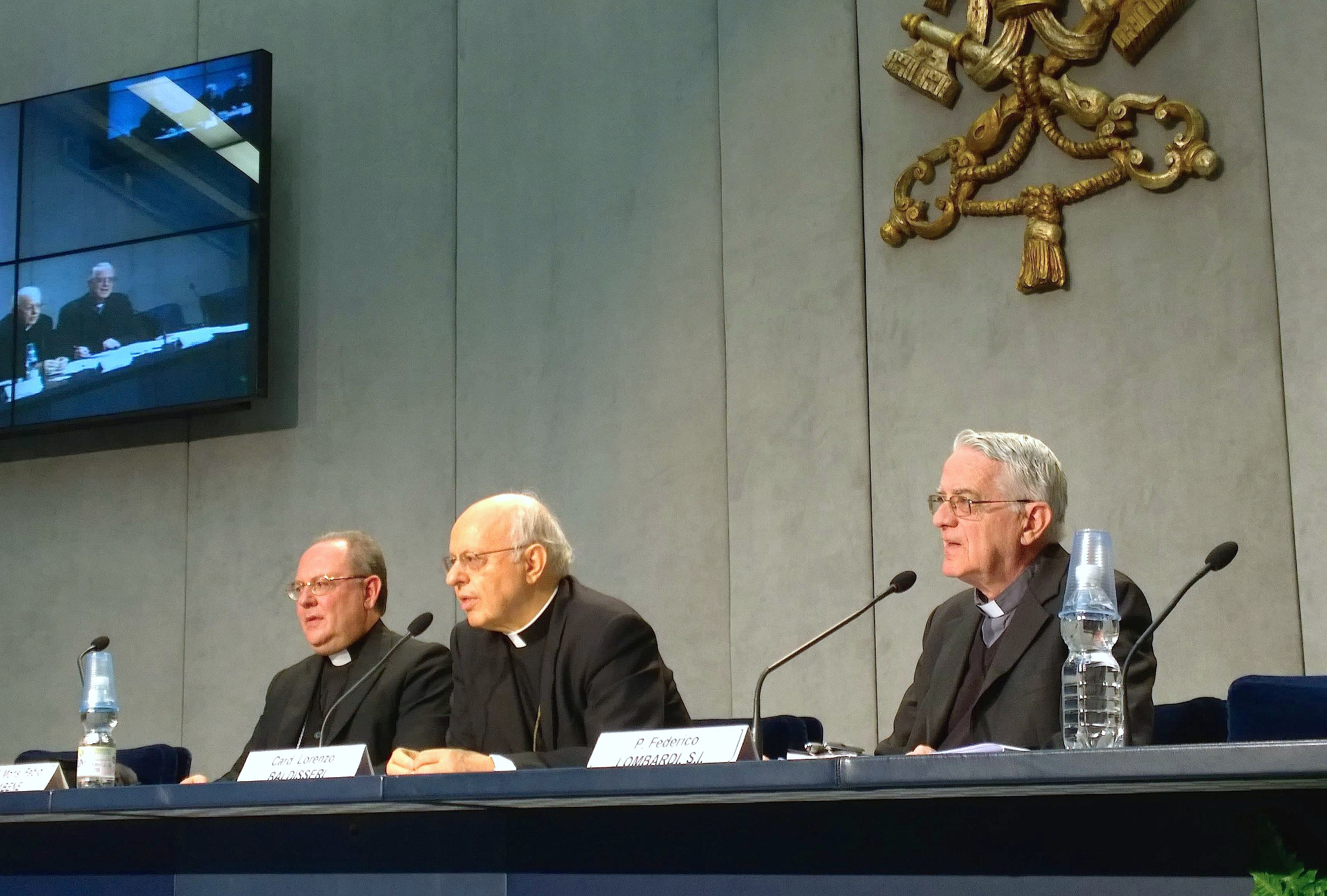 Cardinal Baldisseri during the presentation of the Synod of family - 2 October 2015