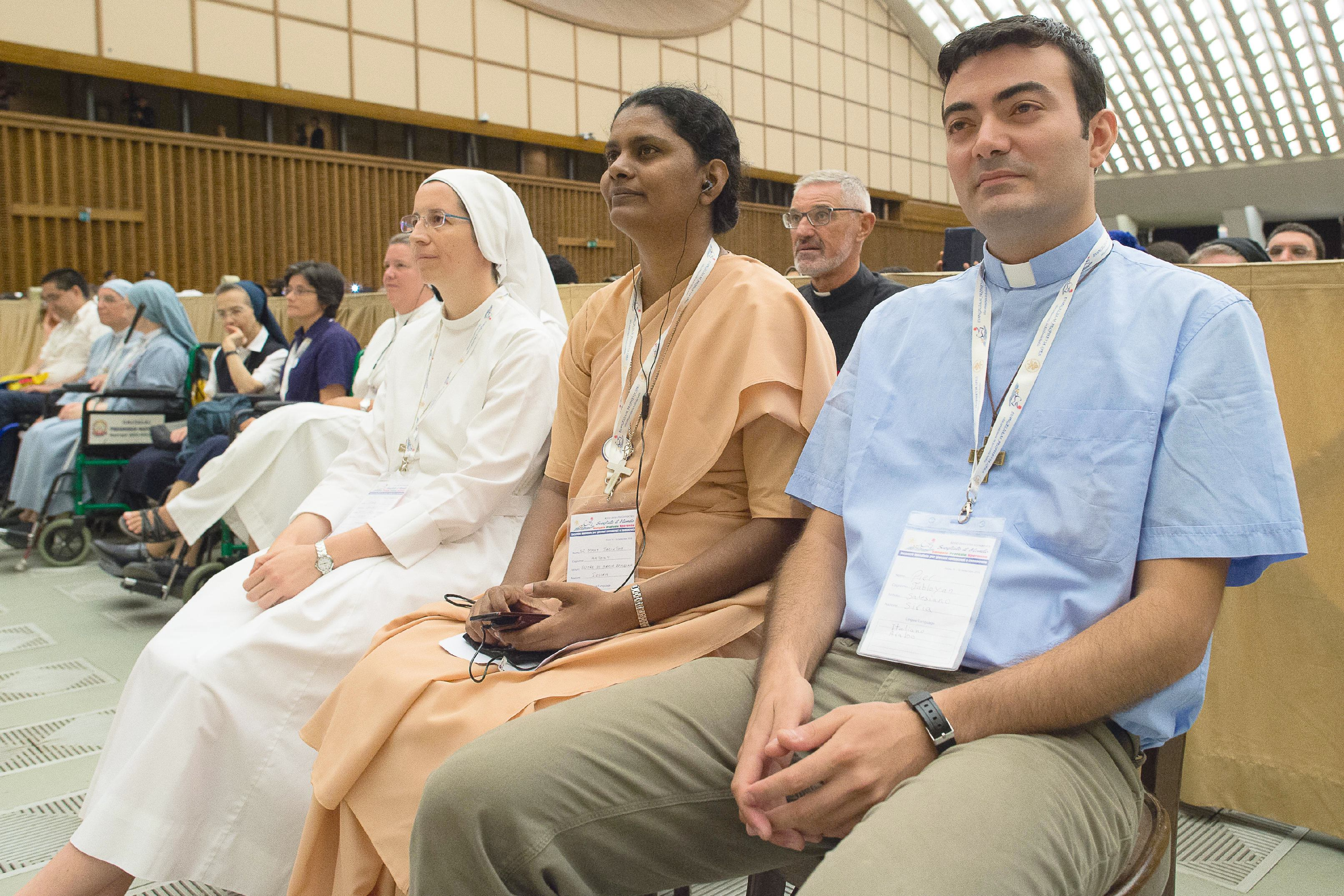 Papal audience with young consacrated men and women