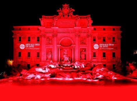 La Fontaine de Trevi en rouge @Aide à l'Église en détresse