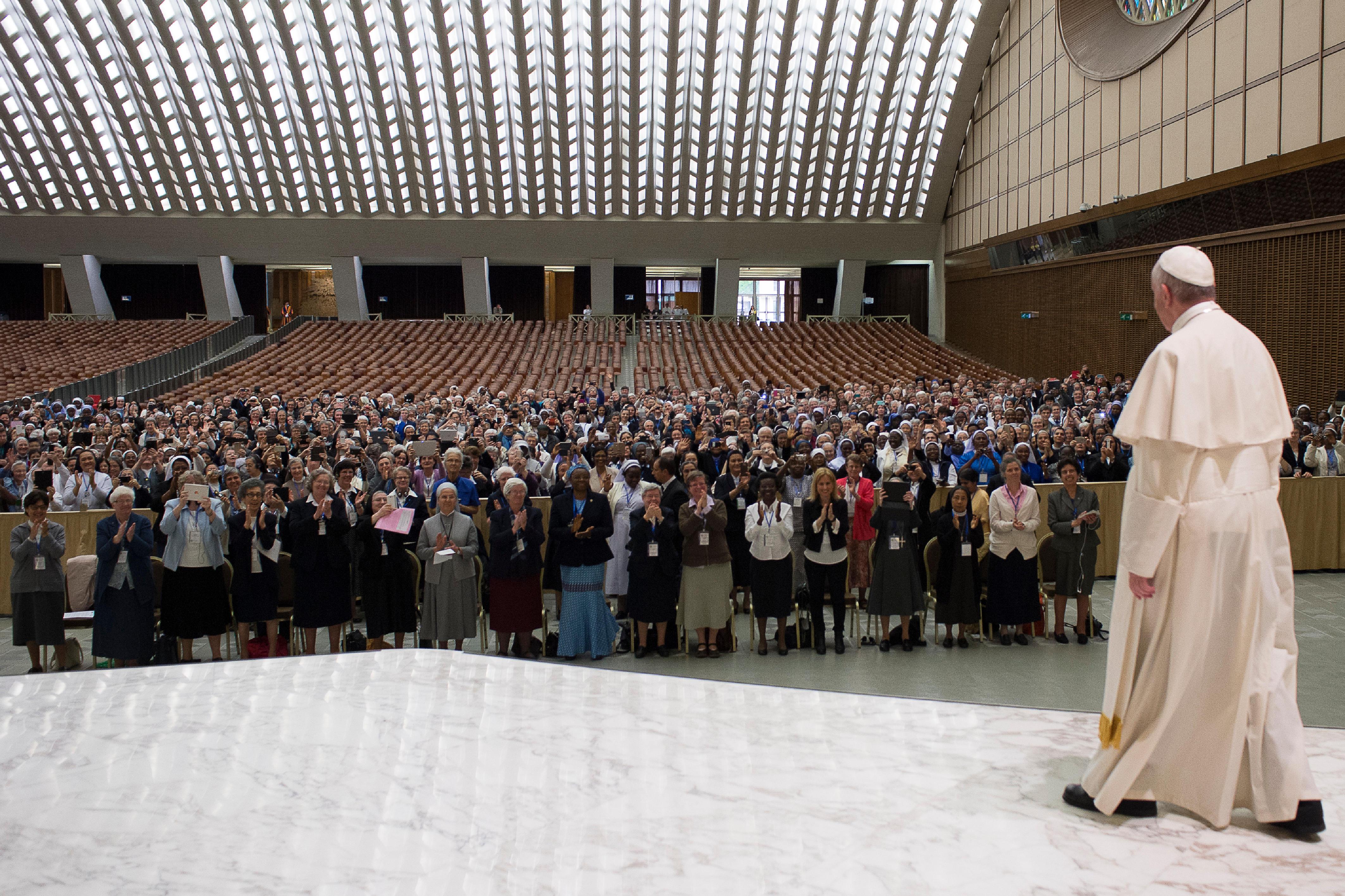 UISG, audience du 12 mai 2016, L'Osservatore Romano