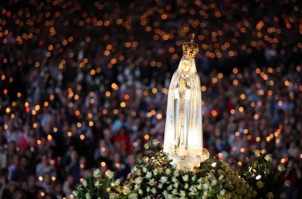 La Vierge de Fatima, sanctuaire de Fatima (Portugal)