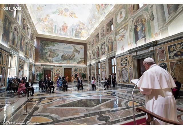 Audience à six nouveaux ambassadeurs 19 mai 2016, L'Osservatore Romano