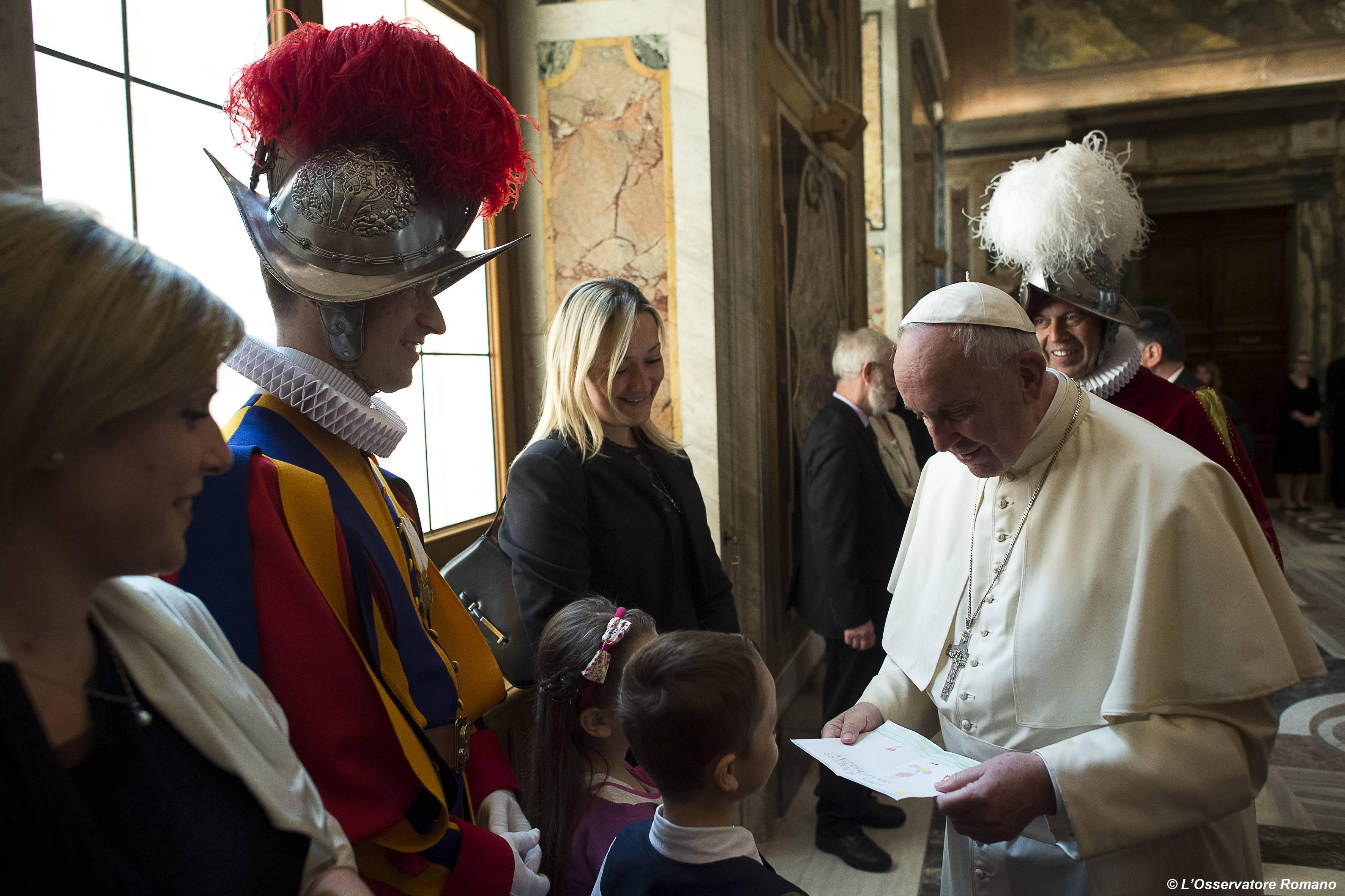 Audience du 7 mai, Garde suisse pontificale, L'Osservatore romano