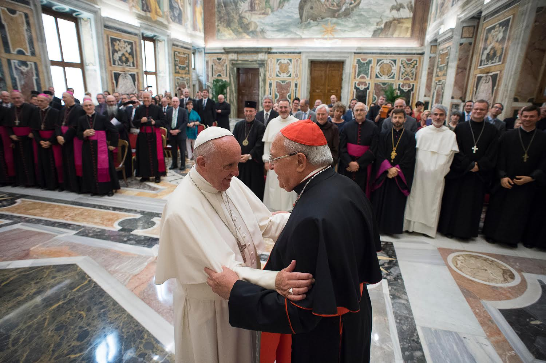 Le pape François remercie le card. Leonardo Sandri, ROACO 16 juin 2016, L'Osservatore Romano