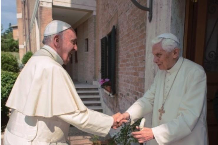 Visite du pape François au pape émérite Benoît XVI, L'Osservatore Romano