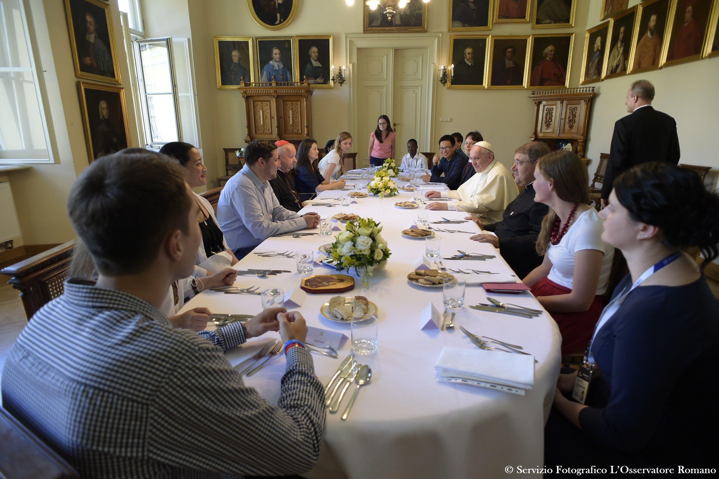Déjeuner avec le pape François à Cracovie, JMJ © L'Osservatore Romano