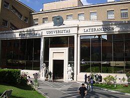 Unversité pontificale du Latran © Wikimedia commons
