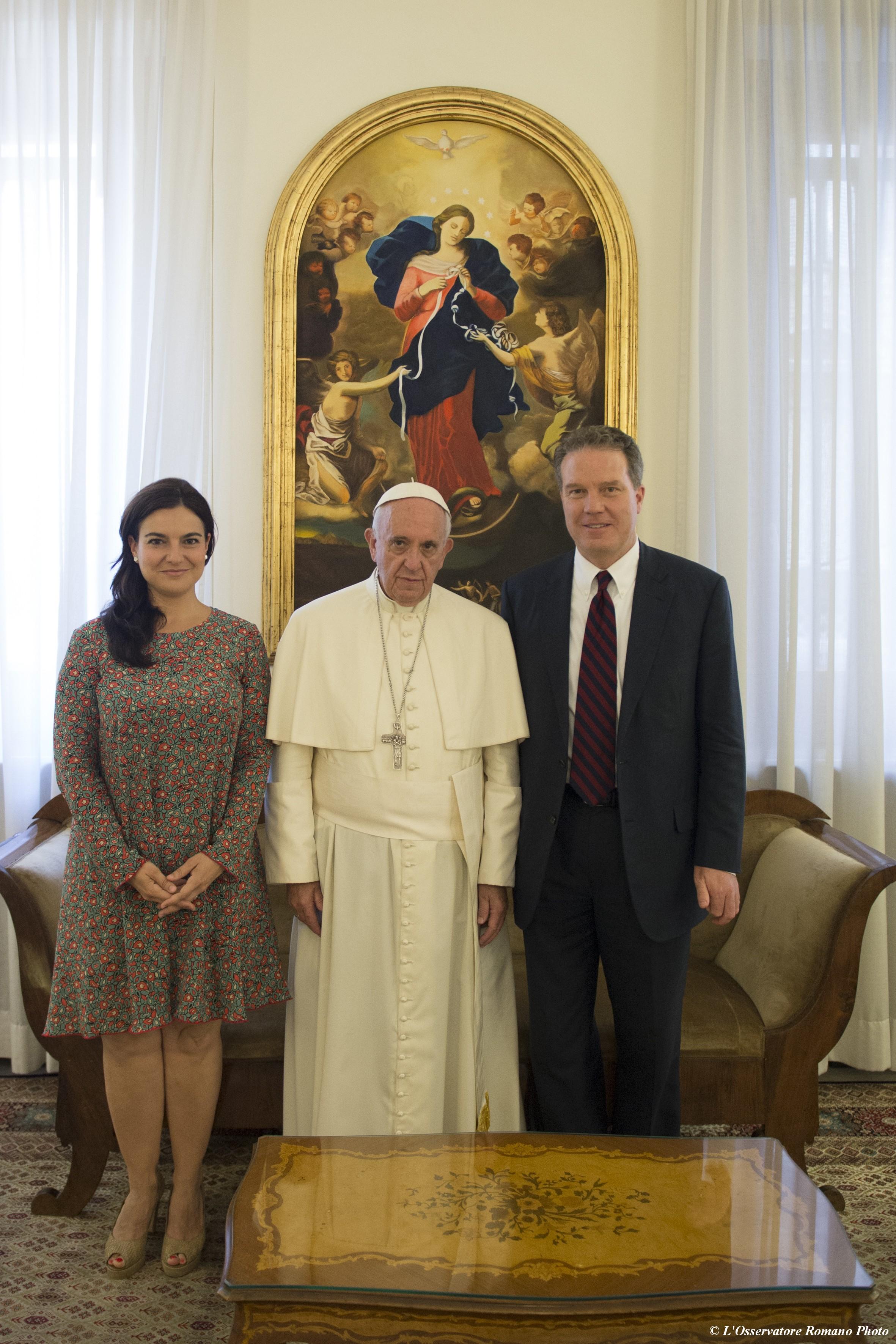 Paloma García Ovejero et Greg Burke © L'Osservatore Romano