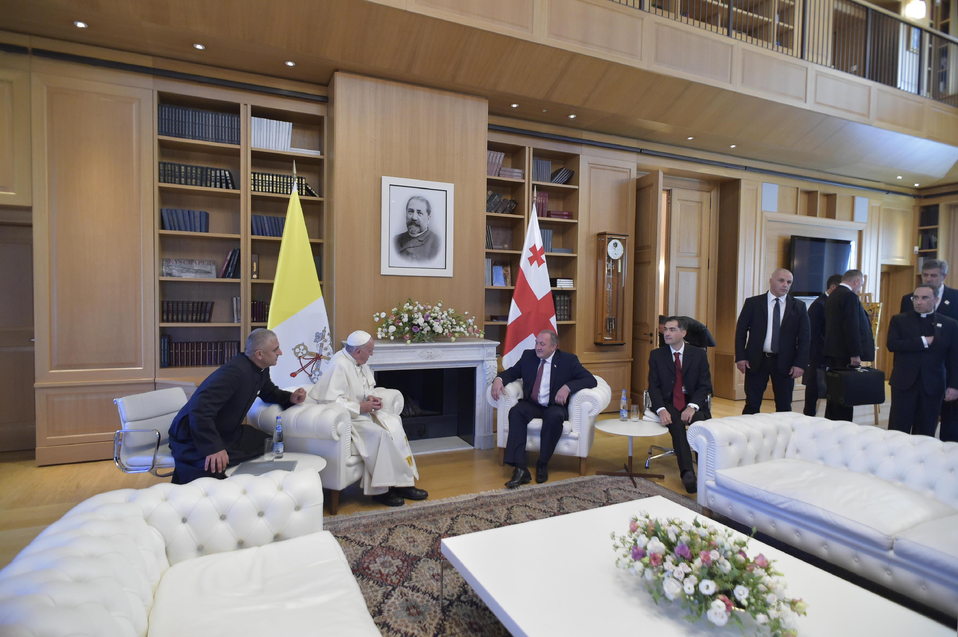 Rencontre privée du pape et du président géorgien © L'Osservatore Romano