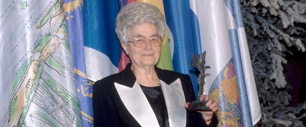 Prix UNESCO 1996 à Chiara Lubich, courtoisie du Mouvement des Focolari focolari.fr