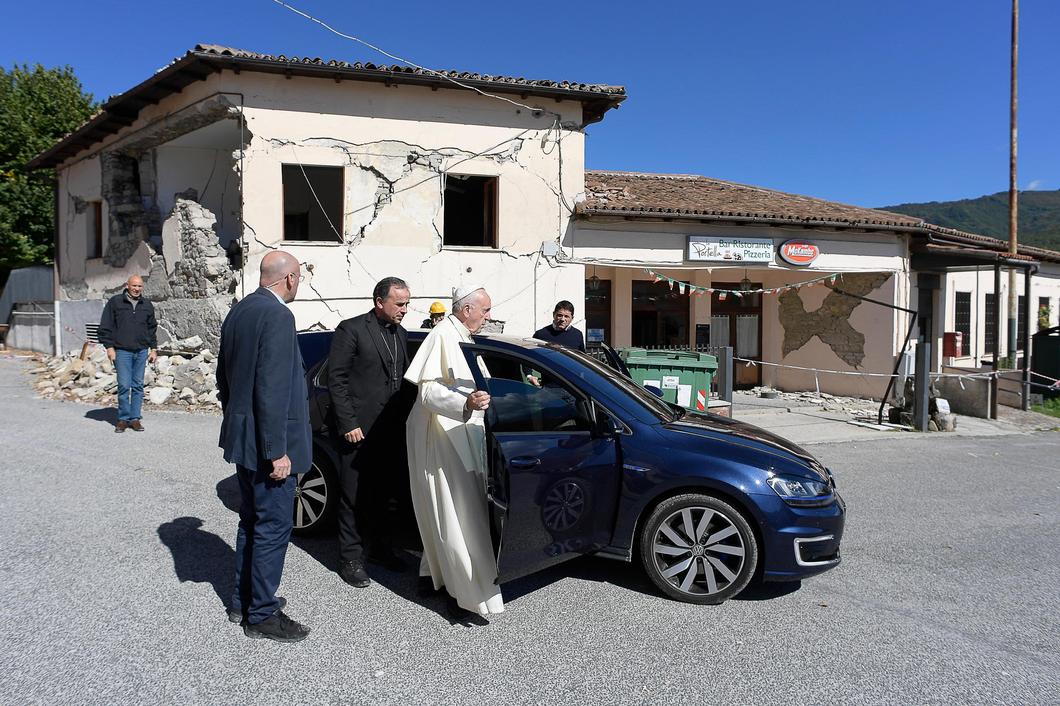 Le pape en visite dans le centre de l'Italie après le séisme @ L'Osservatore Romano