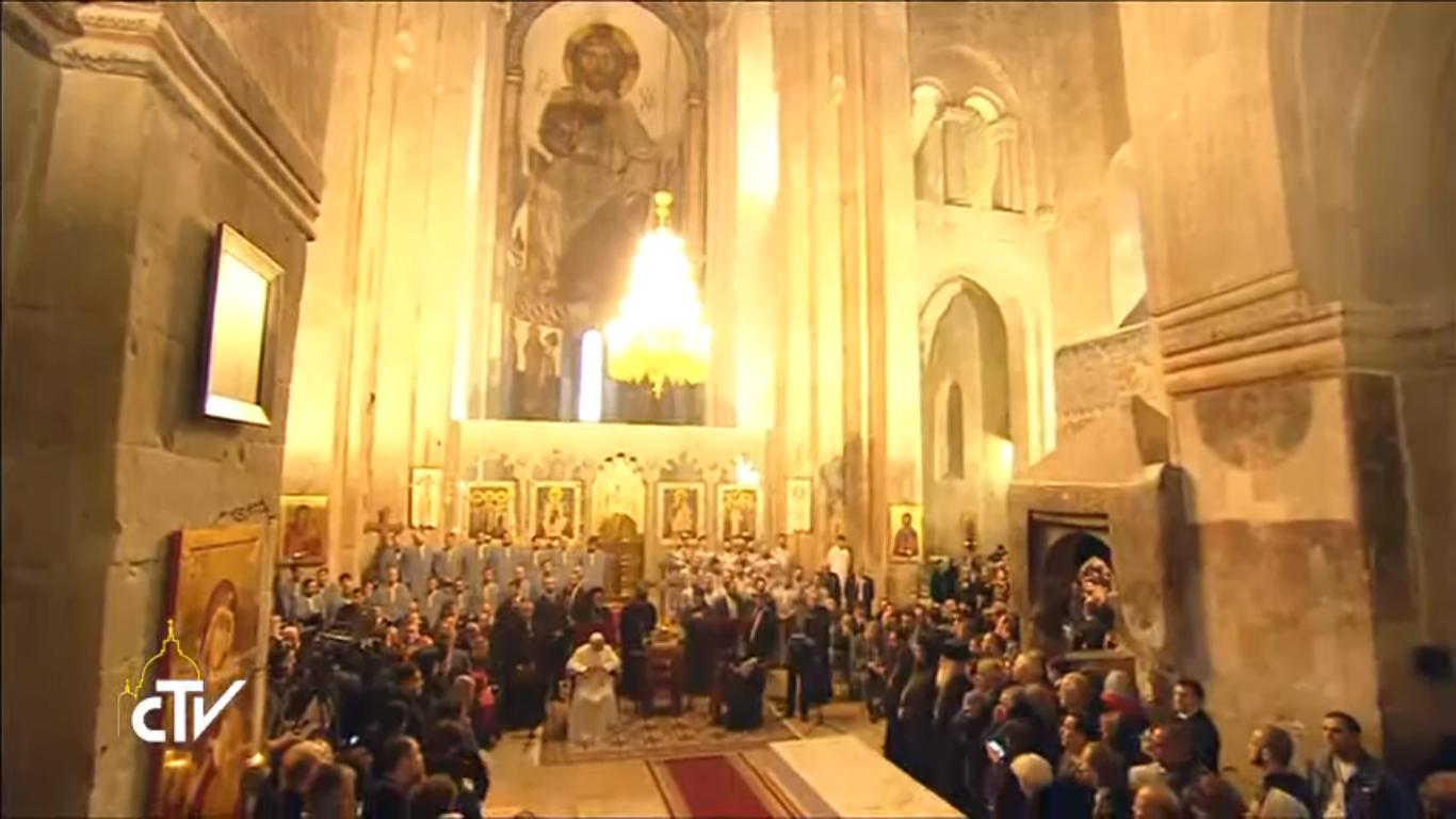 Rencontre à la cathédrale orthodoxe de Mtskhéta, capture CTV