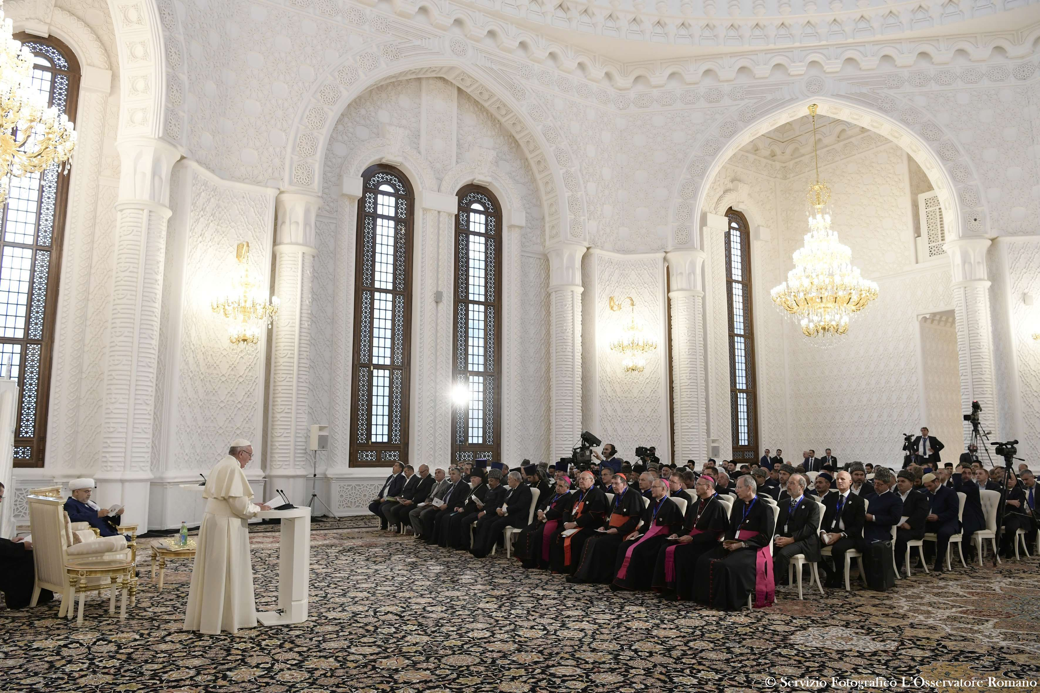 Rencontre interreligieuse à la mosquée de Bakou, Azerbaidjan @ L'Osservatore Romano