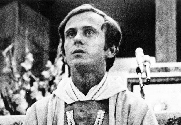 Père Jerzy Popieluszko © Wikimedia Commons, domaine public