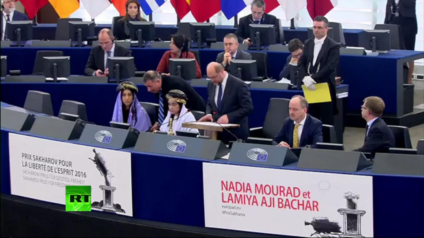 Prix Sakharov à Nadia Mourad et Lamya Aji Bachar, au Parlement européen, 13 déc. 2016, capture