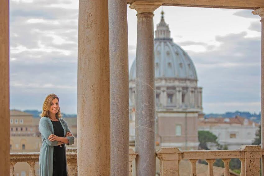 Mme Barbara Jatta, couroisie des Musées du Vatican