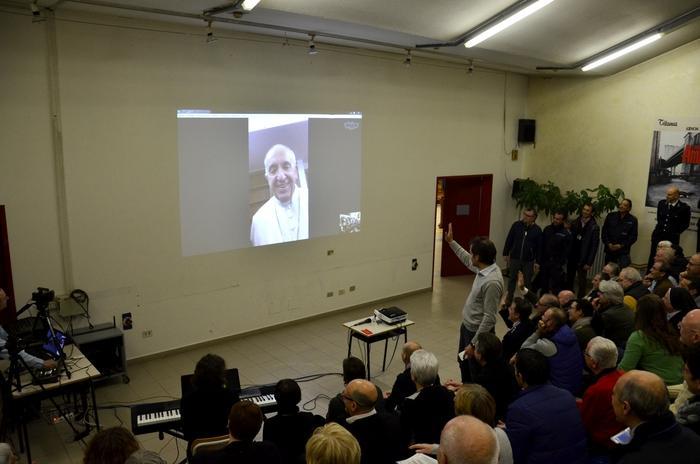 Liaison vidéo avec des détenus, prison de Padoue © Diocèse de Padoue