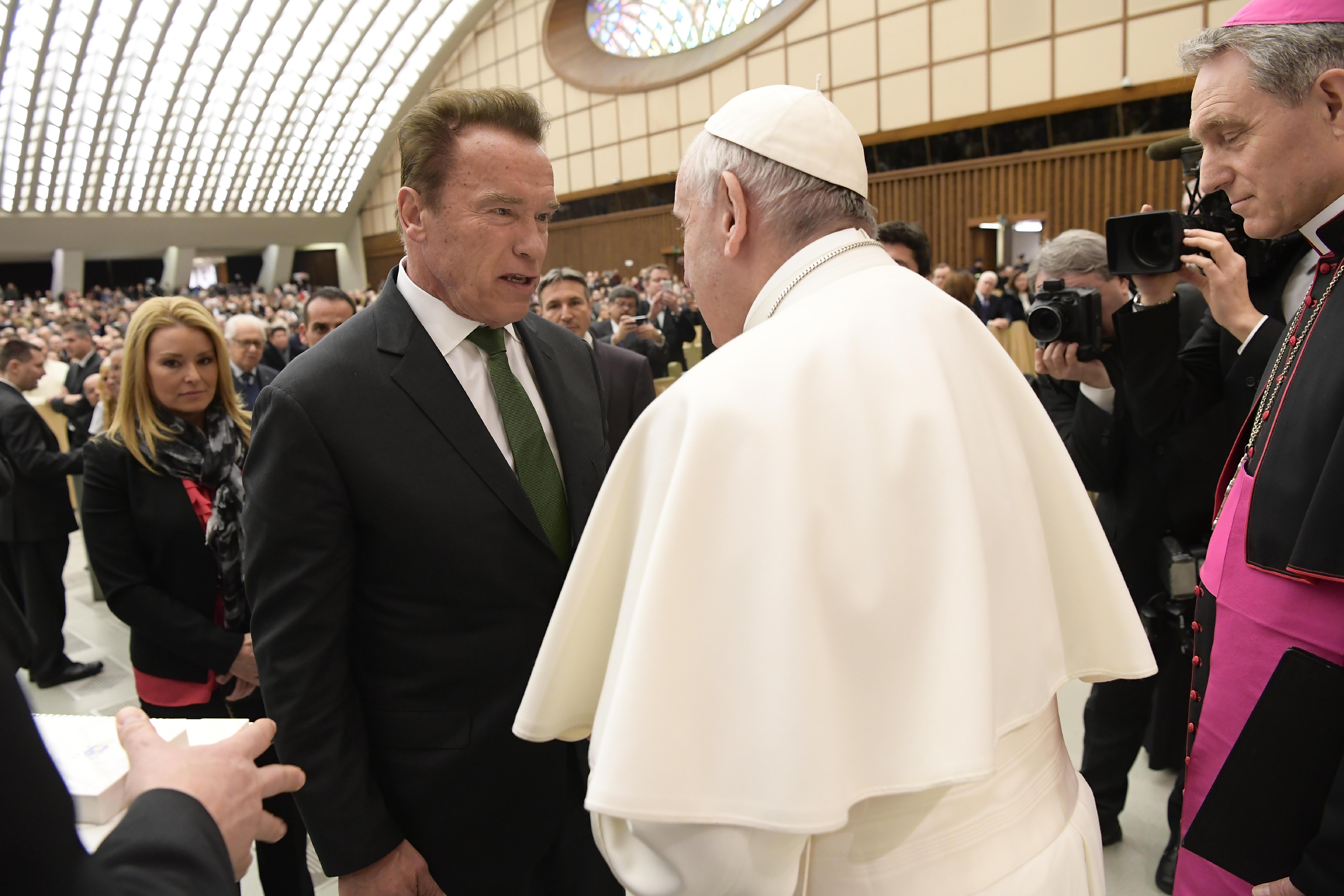 Arnold Schwarzenegger rencontre le pape © L'Osservatore Romano