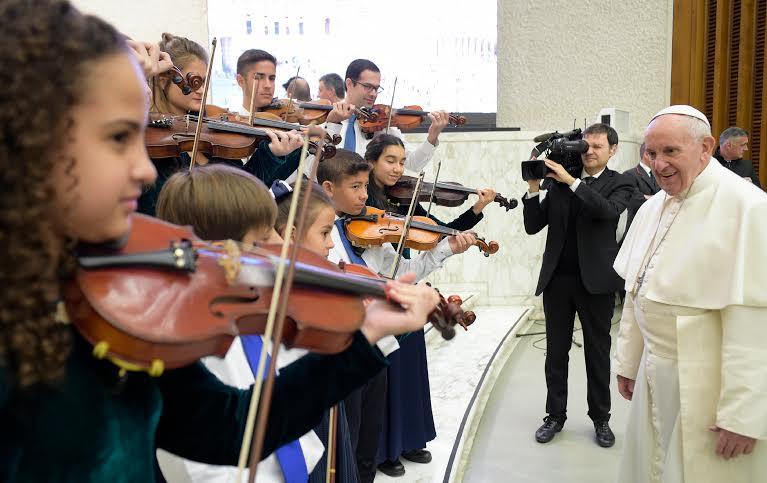 """The Brazilian Tropical Violins"""" de Rio de Janeiro © L'Osservatore Romano"""