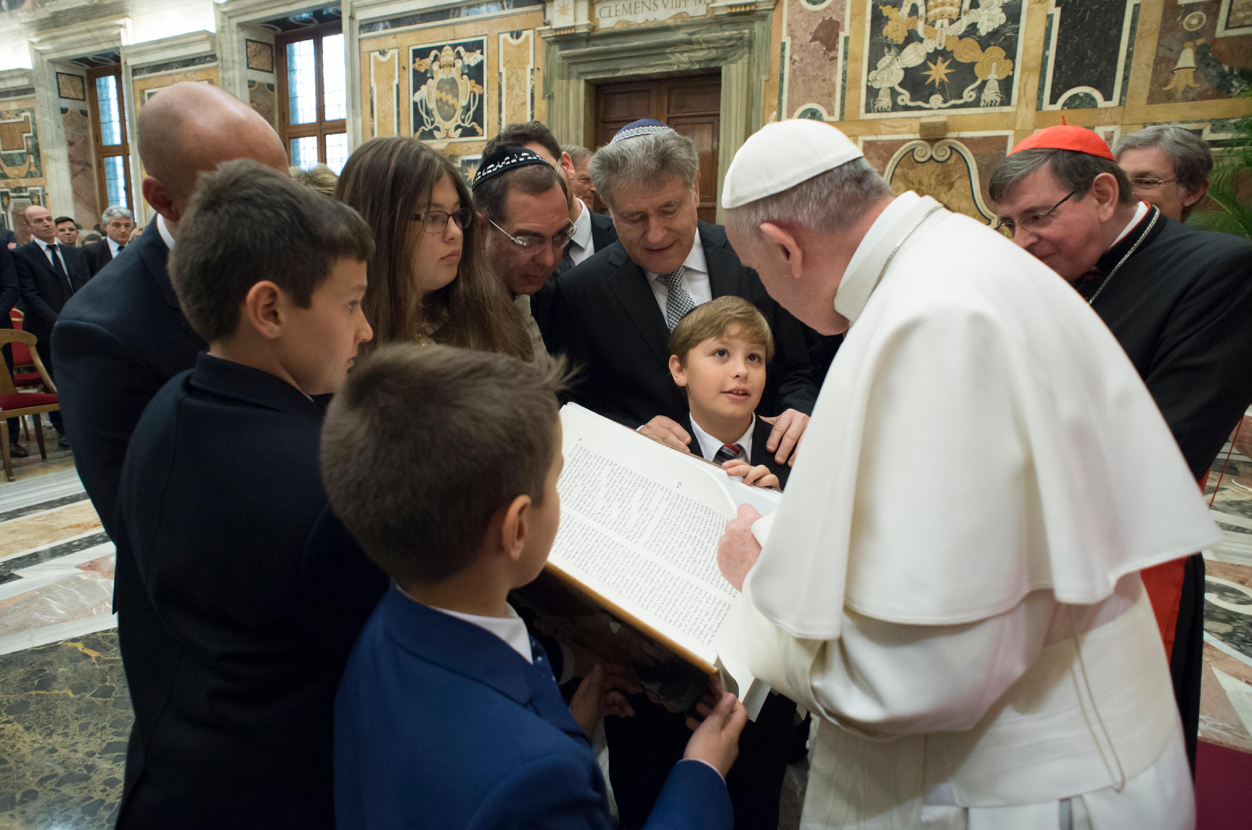 Le rabbin Skorka présente une nouvelle édition de la Torah © L'Osservatore Romano