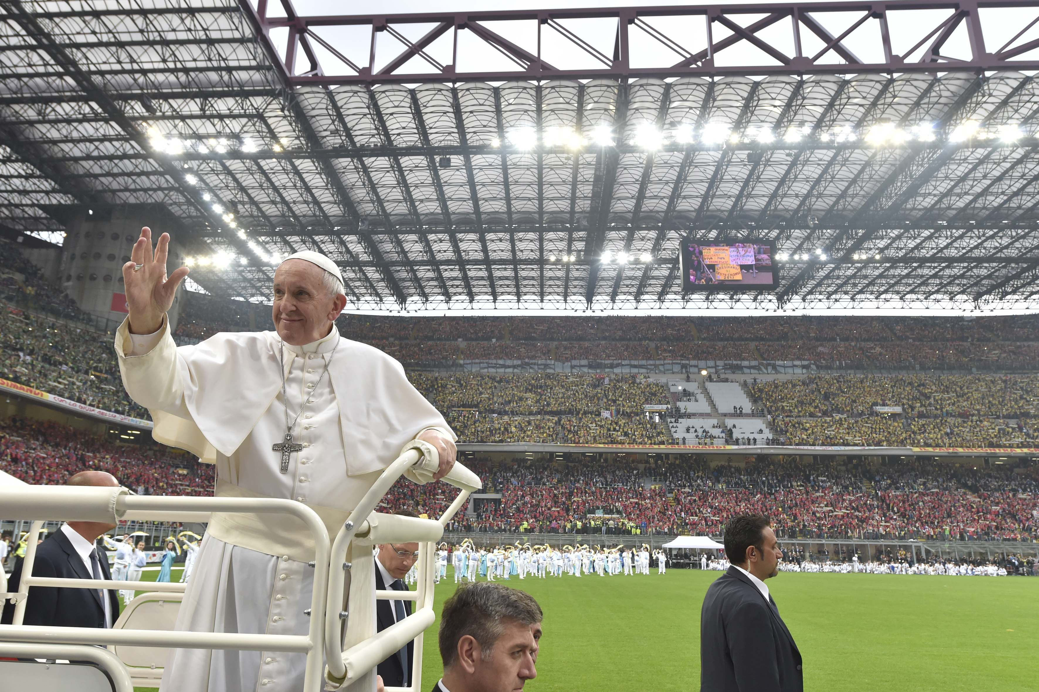 Rencontre avec les jeunes au stade San Siro de Milan © L'Osservatore Romano