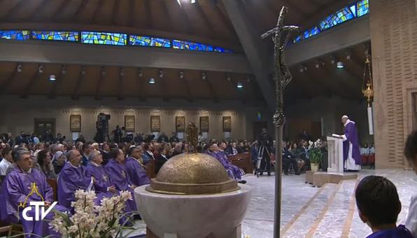 Visite dans la paroisse dans la paroisse Santa Maddalena di Canossa, capture CTV