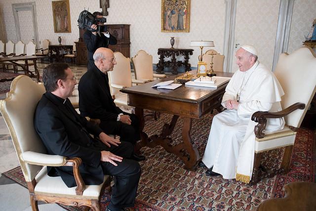 Mgr Fernando Ocariz et Mgr Mariano Fazio reçus par le pape François, courtoisie de l'Opus Dei