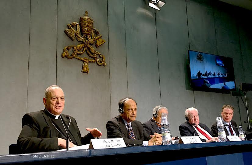 Conférence de presse de présenttion des conclusions © ZENIT - HS Mora