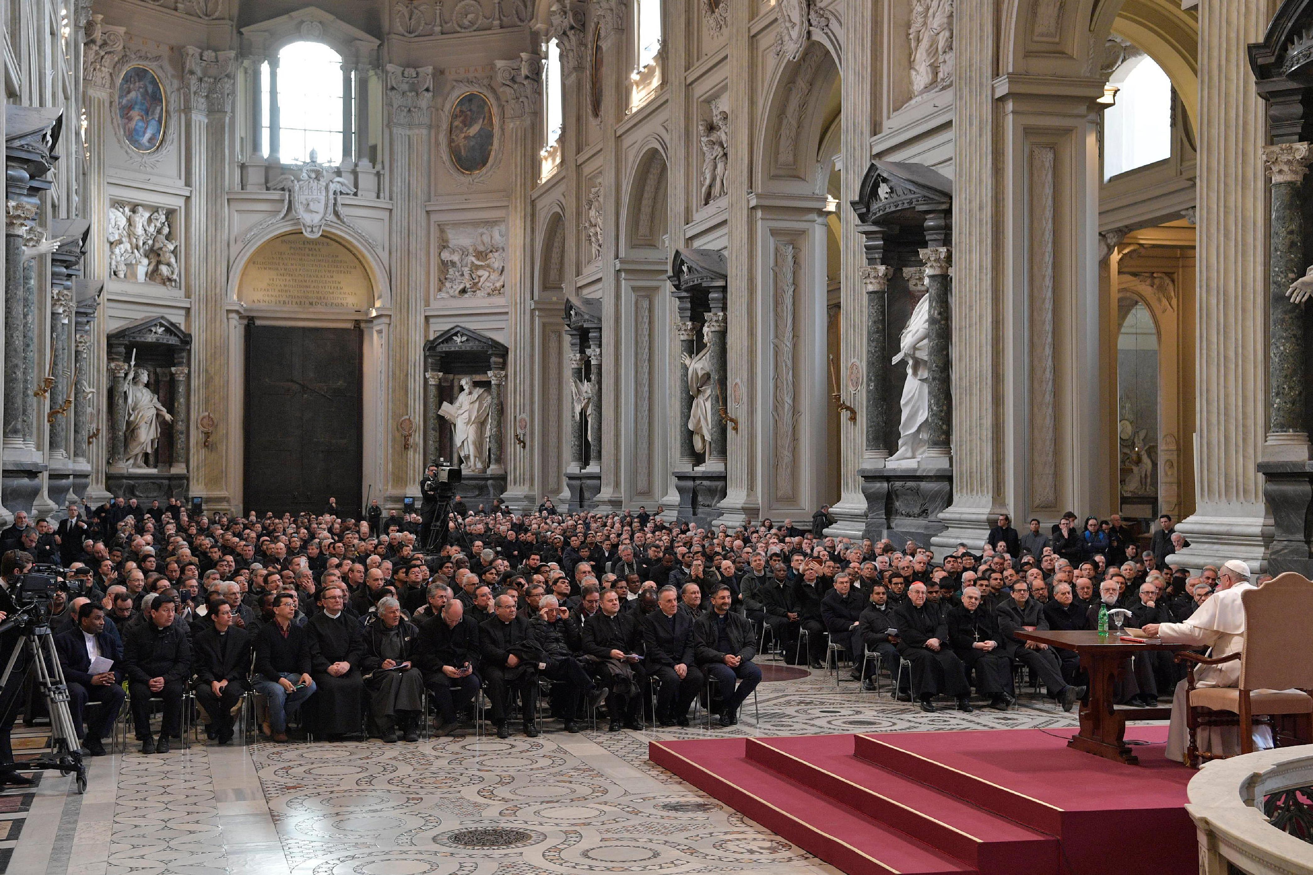 Rencontre avec le clergé de Rome © L'Osservatore Romano