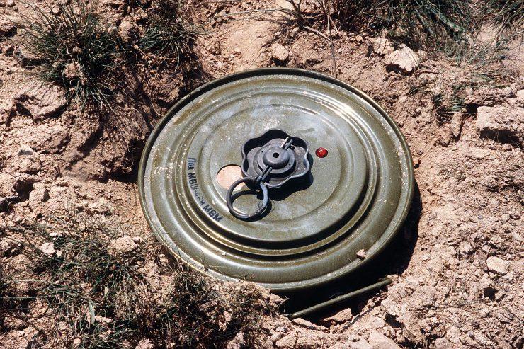 Une mine terrestre TM-46_AP