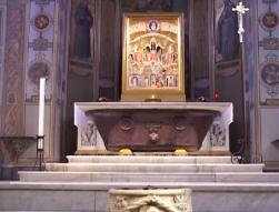 Icône des Nouveaux Martyrs dans l'église Saint-Barthélémy à Rome, capture vidéo santegidiolive