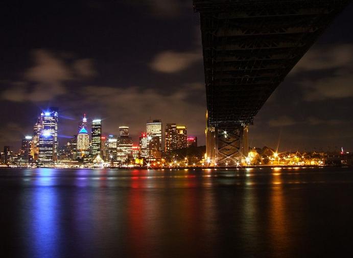 Ville de Sydney éclairée © Wikimedia commons / Wj32