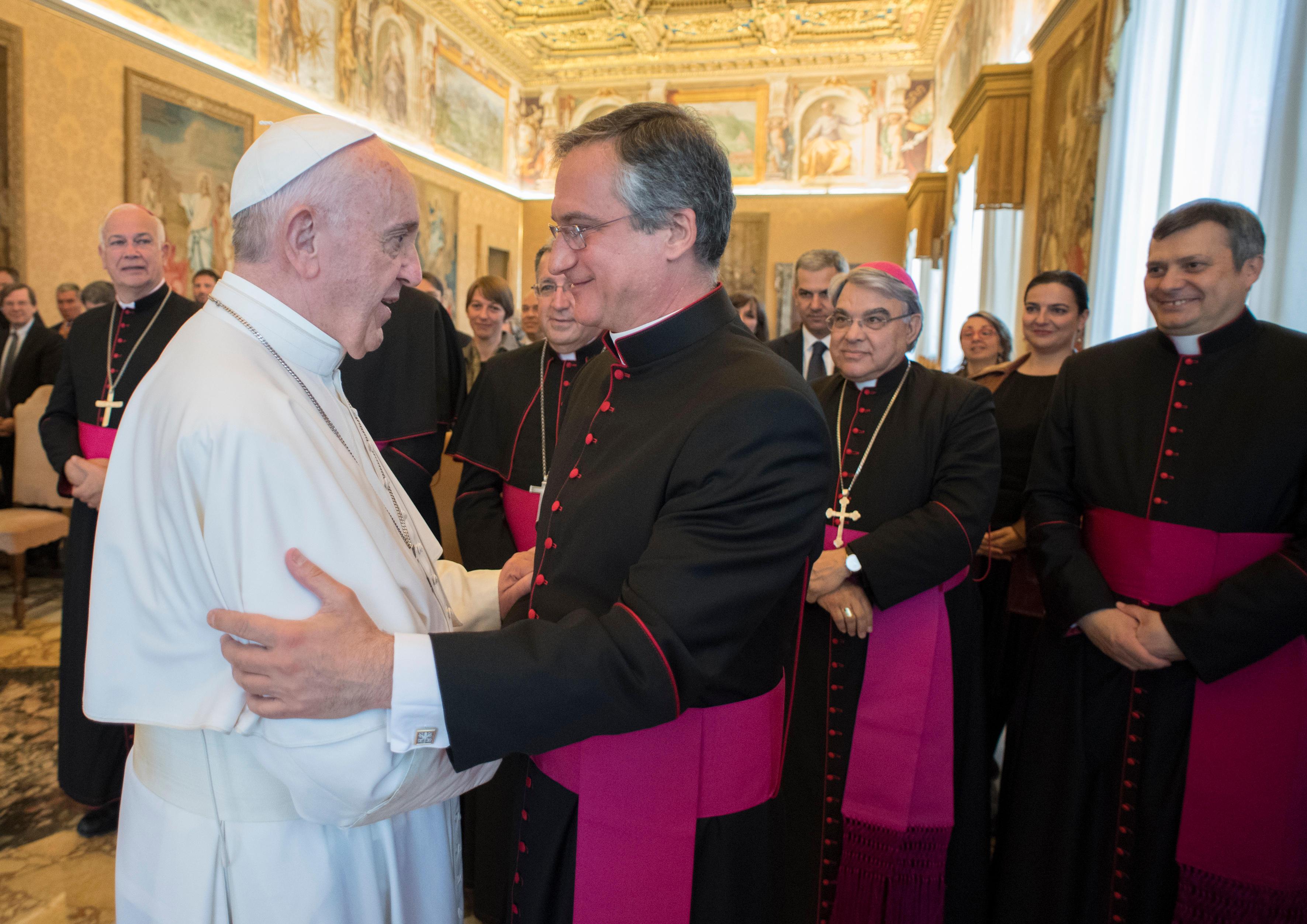 Mgr Vigano, Première assemblée générale du Secrétariat communication © L'Osservatore Romano